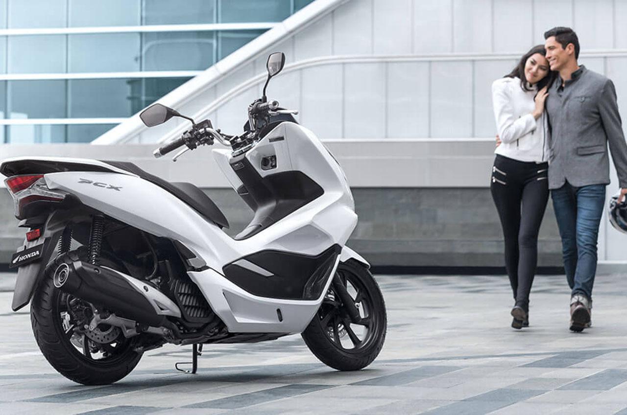 Honda PCX, Si Skutik Premium Dengan Desain Yang Kece