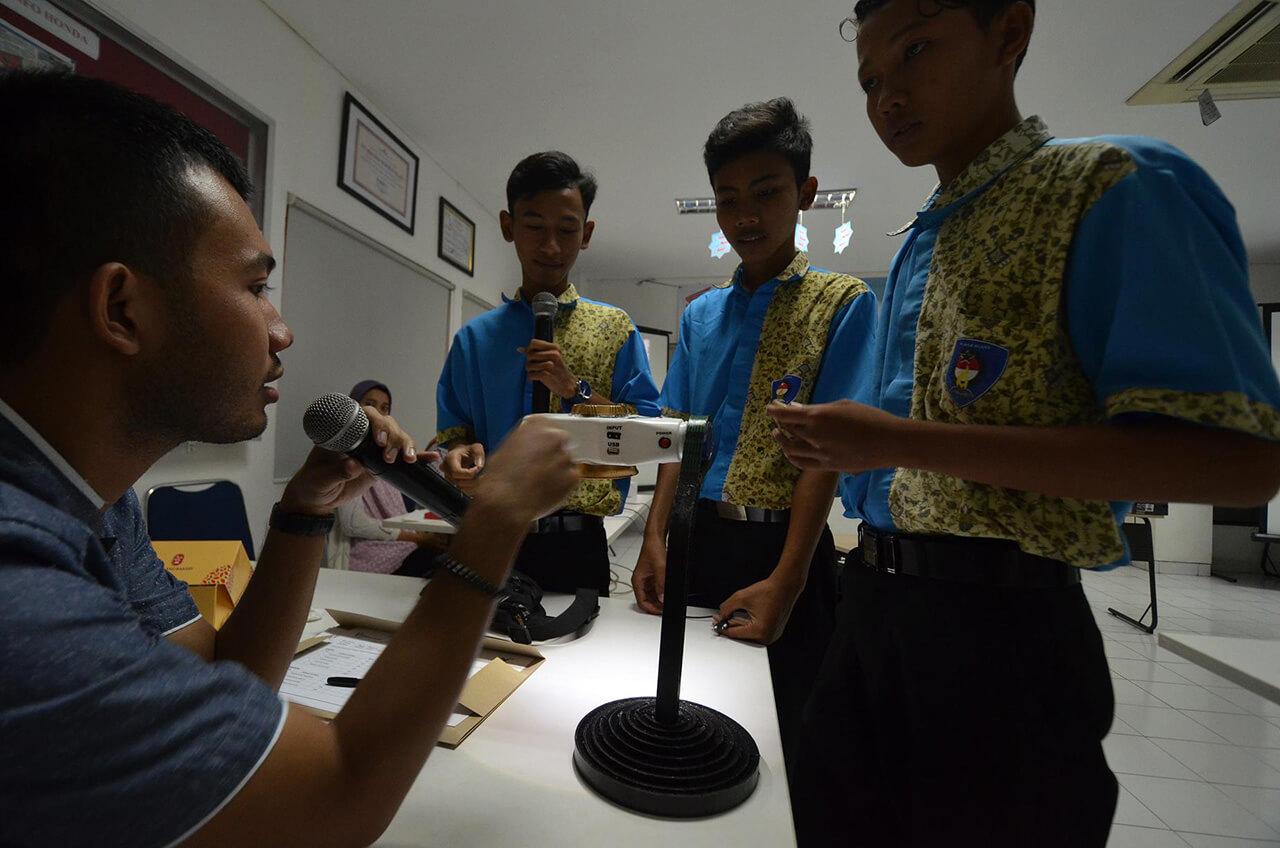 SMK Binaan Honda Ubah Limbah Jadi Bermanfaat