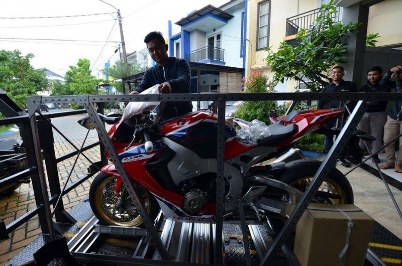 Fadillah Jadi Pemilik Pertama CBR1000RR SP