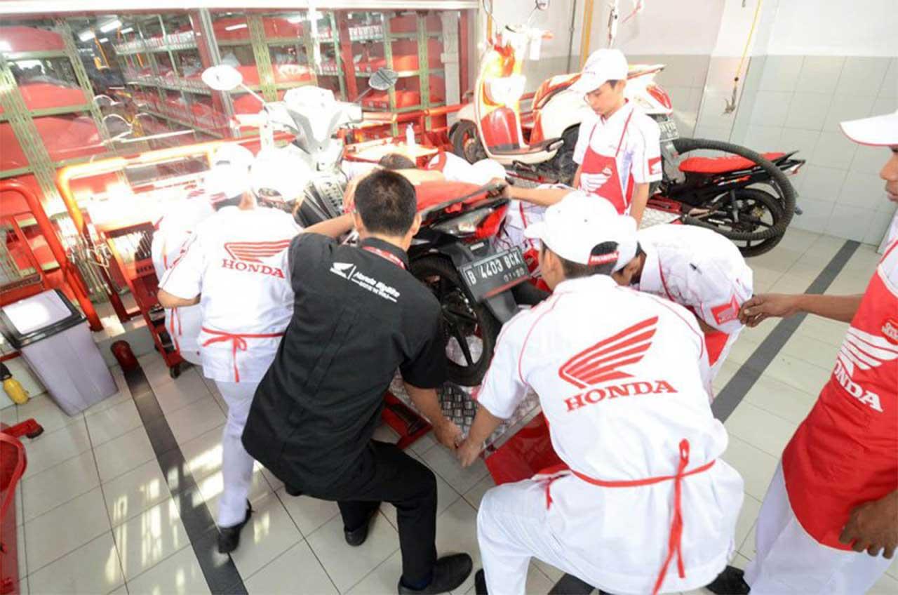 Lima Juta Motor Sevice Di AHASS Jakarta Tangerang
