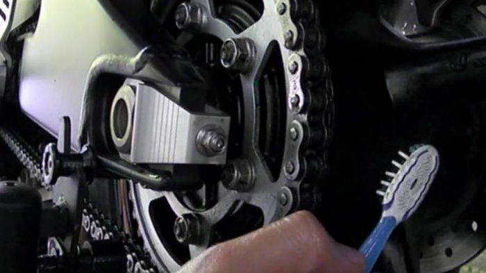 Yuk, Lakukan 4 Cara Ini Agar Rantai Motor Awet
