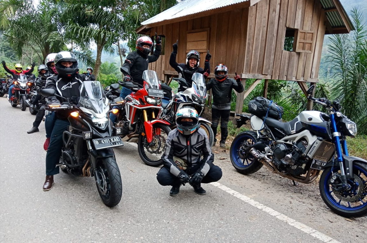 Wahana Honda BikeBike Tour De Andalas Turing Yang Bikin Iri Banyak Riders