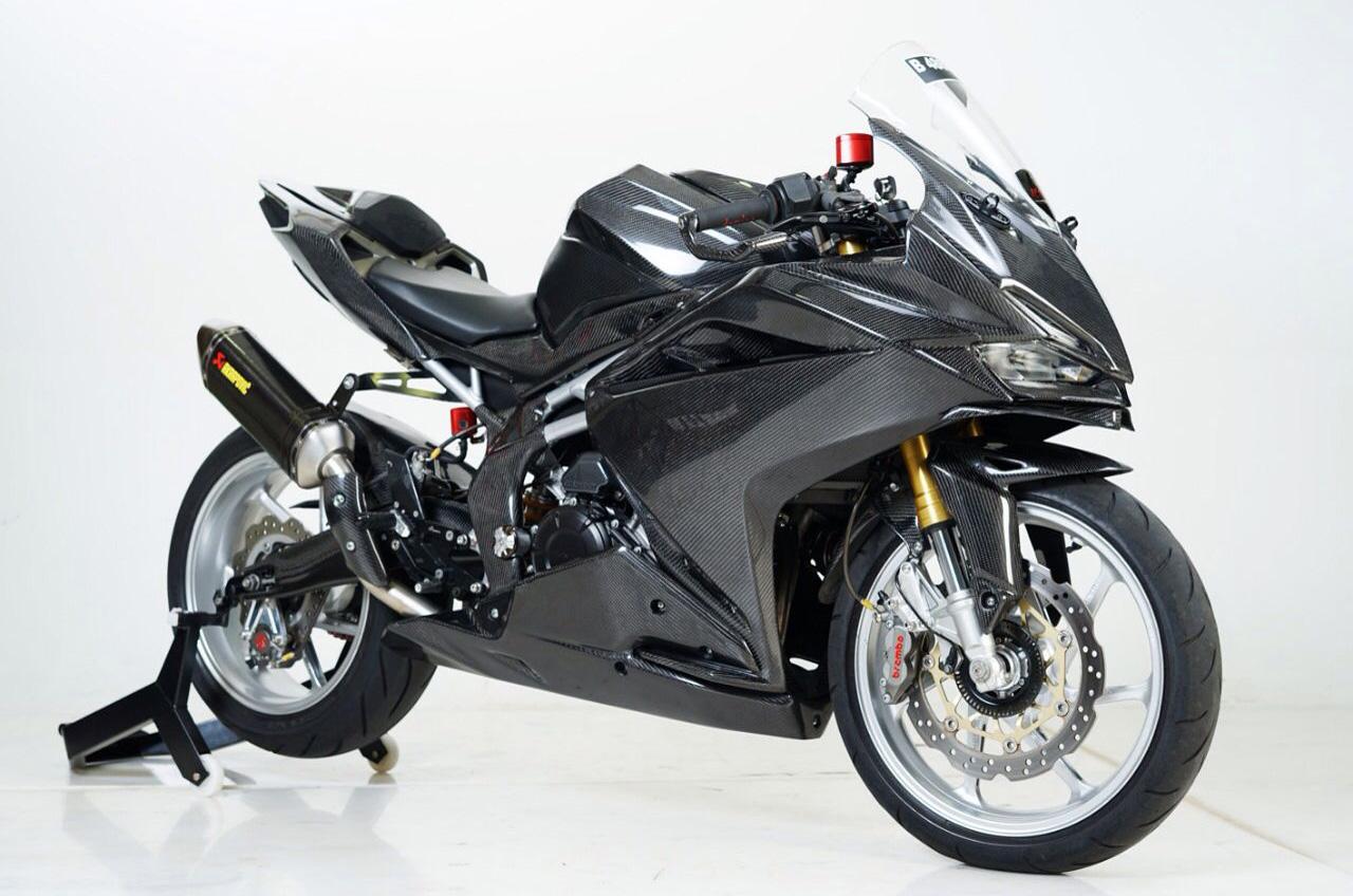 Lampiaskan Hobi Modif Diatas Honda CBR250RR