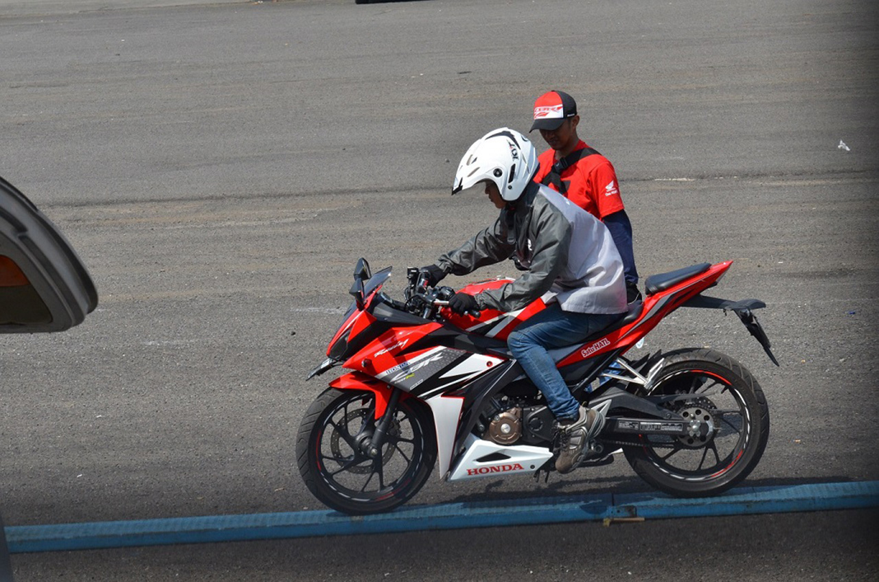 Balap, Safety Riding Dan Modifikasi Di Indonesia CBR Race Day