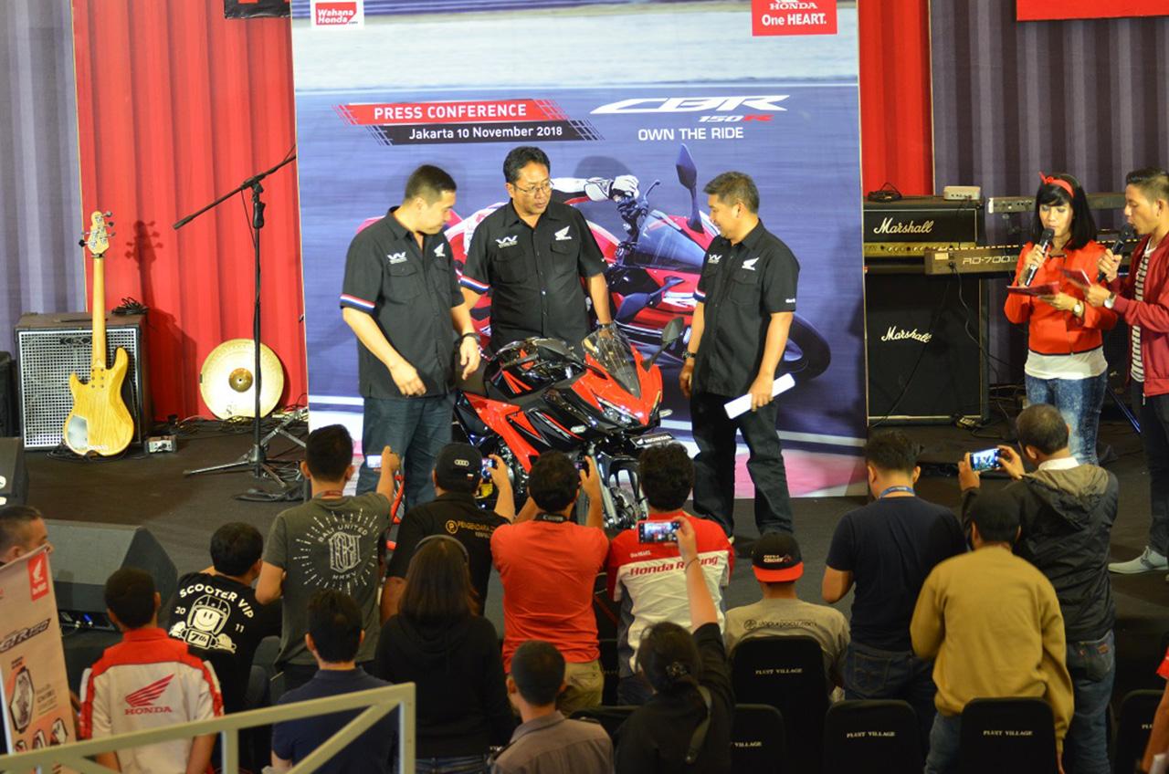 Honda Sport Motoshow 2018 Kenalkan Produk Impian Penggemar Tipe Sport
