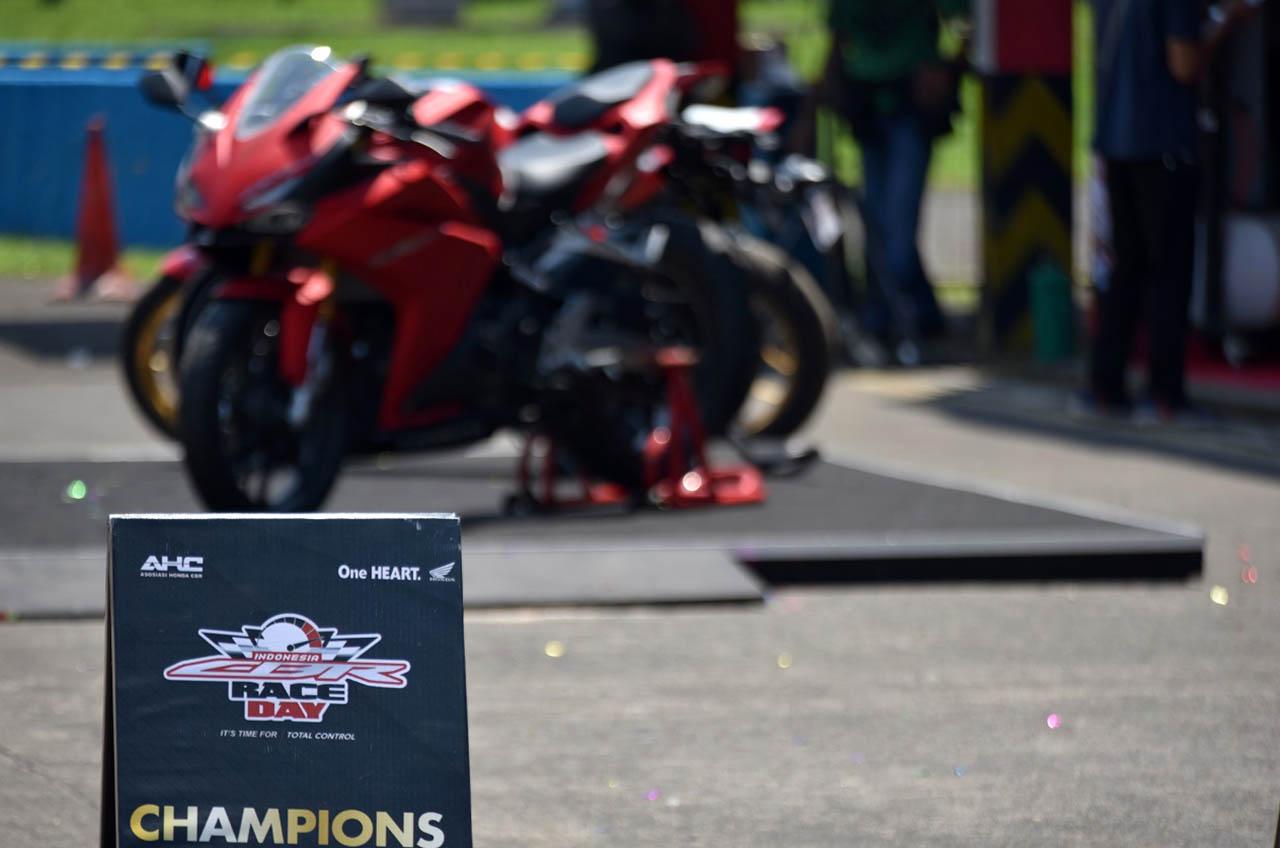 Lagi, Pecinta Honda CBR Gelar Balap Di Sentul