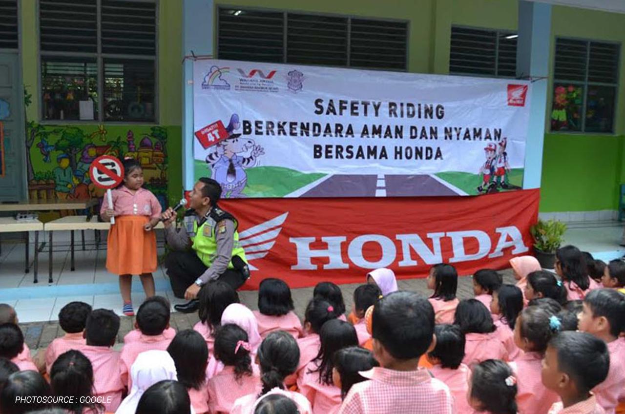 Paham Sejak Dini, Ini Cara Mengenalkan Petualangan #Cari_Aman Dan Safety Riding Untuk Anak