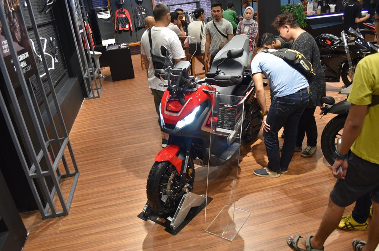Promo Dan Hadiah Menunggu Konsumen Honda Di Jakarta Fair Kemayoran