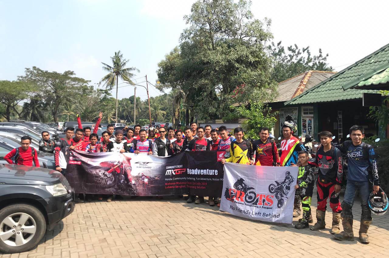 Wahana 'Main Tanah' Dengan Komunitas Honda CRF