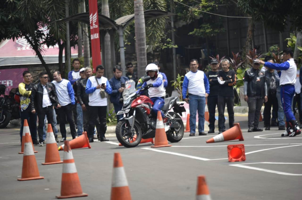 Agar Turing Makin Mantap, Konsumen Bigbike Belajar Safety Riding