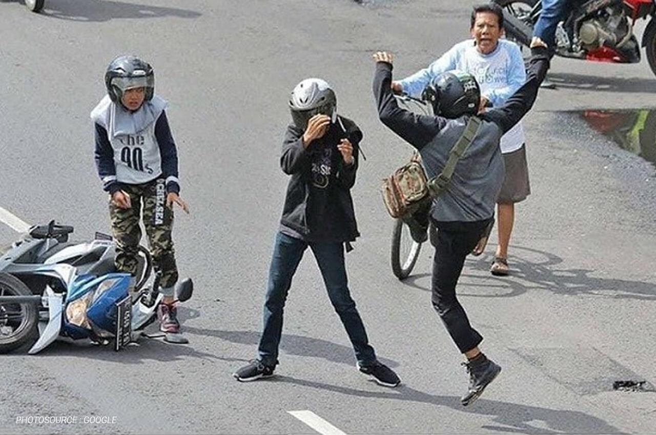 Pengendara Sepeda Motor, Ini Dia Pentingnya Menjaga Emosi Di Jalan