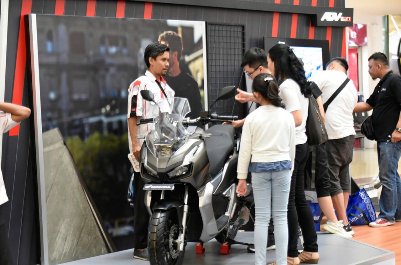 Konsumen Jakarta, Antusias 'Jajal' Skutik Premium