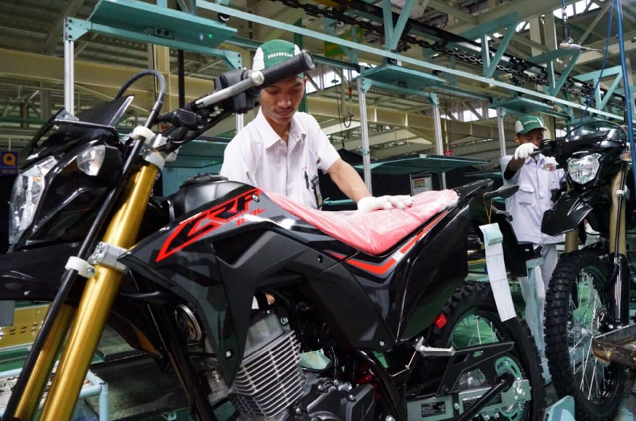 Tampil Beda, New Honda CRF150L Siap Diajak Berpetualang
