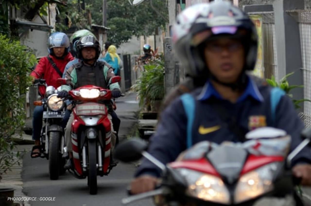 Tips Berkendara Sepeda Motor Di Jalan Sempit