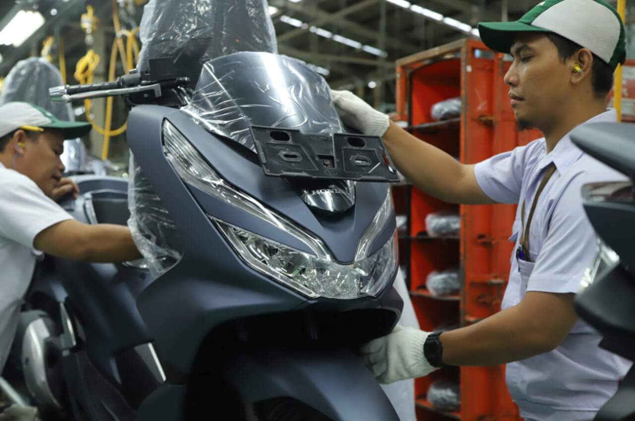 Hadirkan Warna Baru, Skutik Besar Honda PCX Semakin Mewah