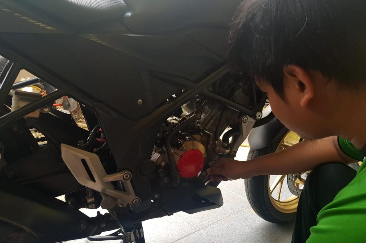Sambil Kerja Di Rumah, Ini Tip Ringan Rawat Motor Pribadi