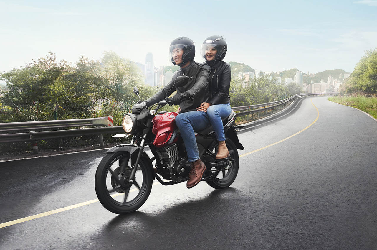 Tips Safety Riding Saat Boncengan
