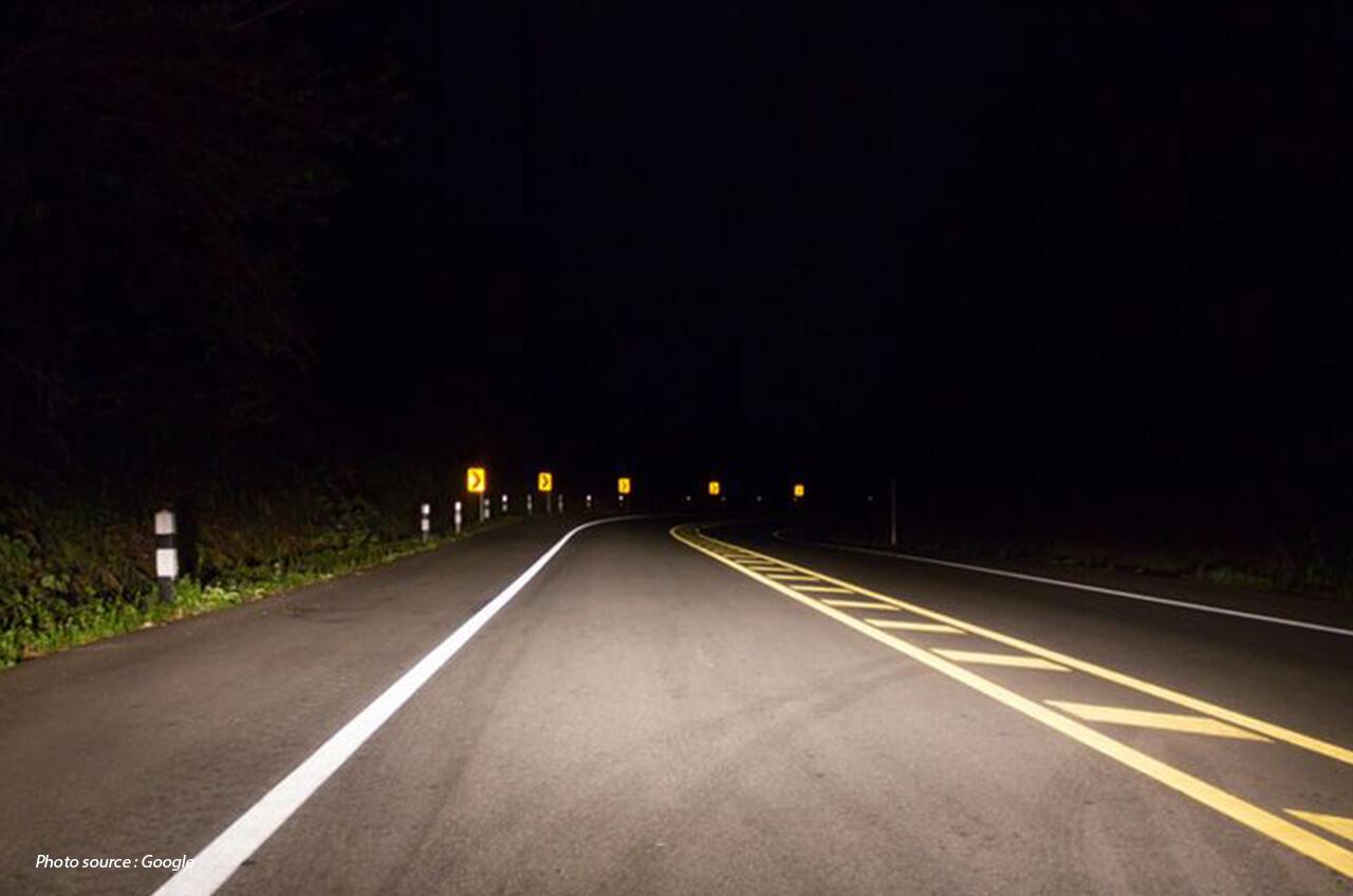 Tips Aman Berkendara Motor Di Jalanan Gelap