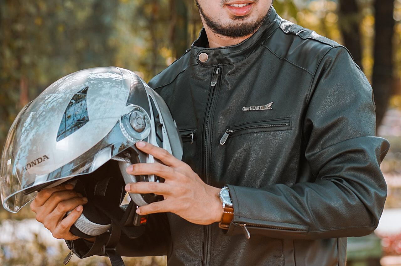 Hindari Menggunakan Helm Tanpa Visor, Ini Bahayanya!