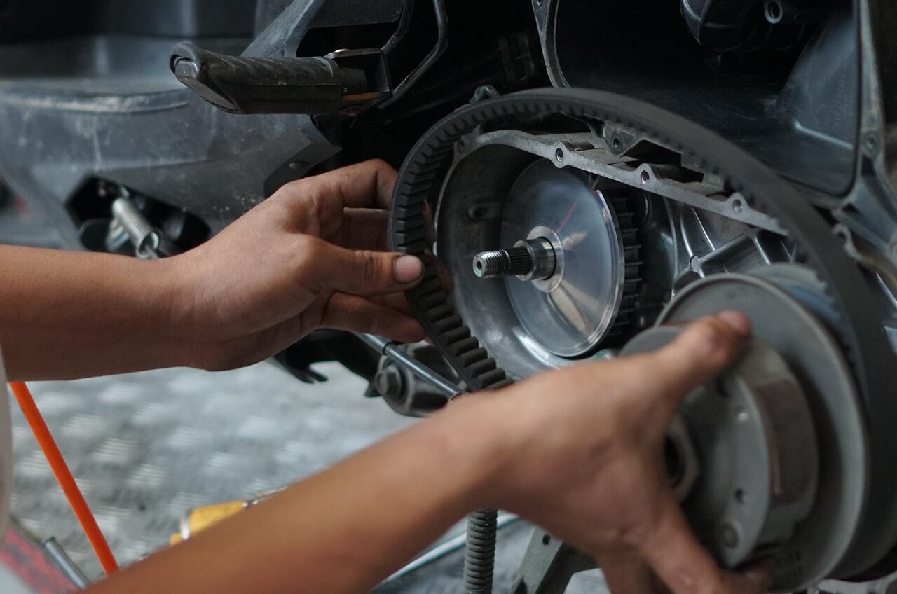 Cara Memastikan Rantai Motor Dalam Kondisi Prima Sebelum Berkendara