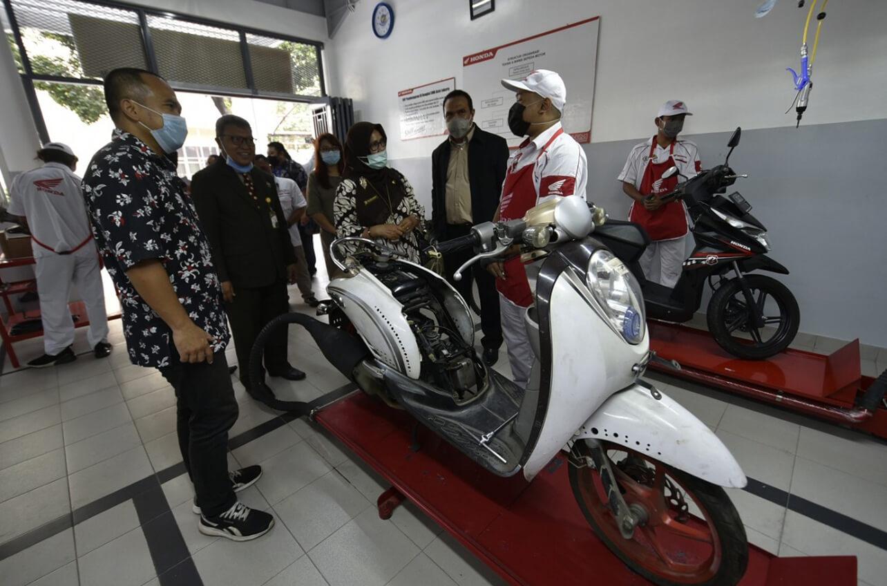 Meski Lewat Online Peresmian Laboratorium Honda SMK ASISI Tetap Penuh Harapan