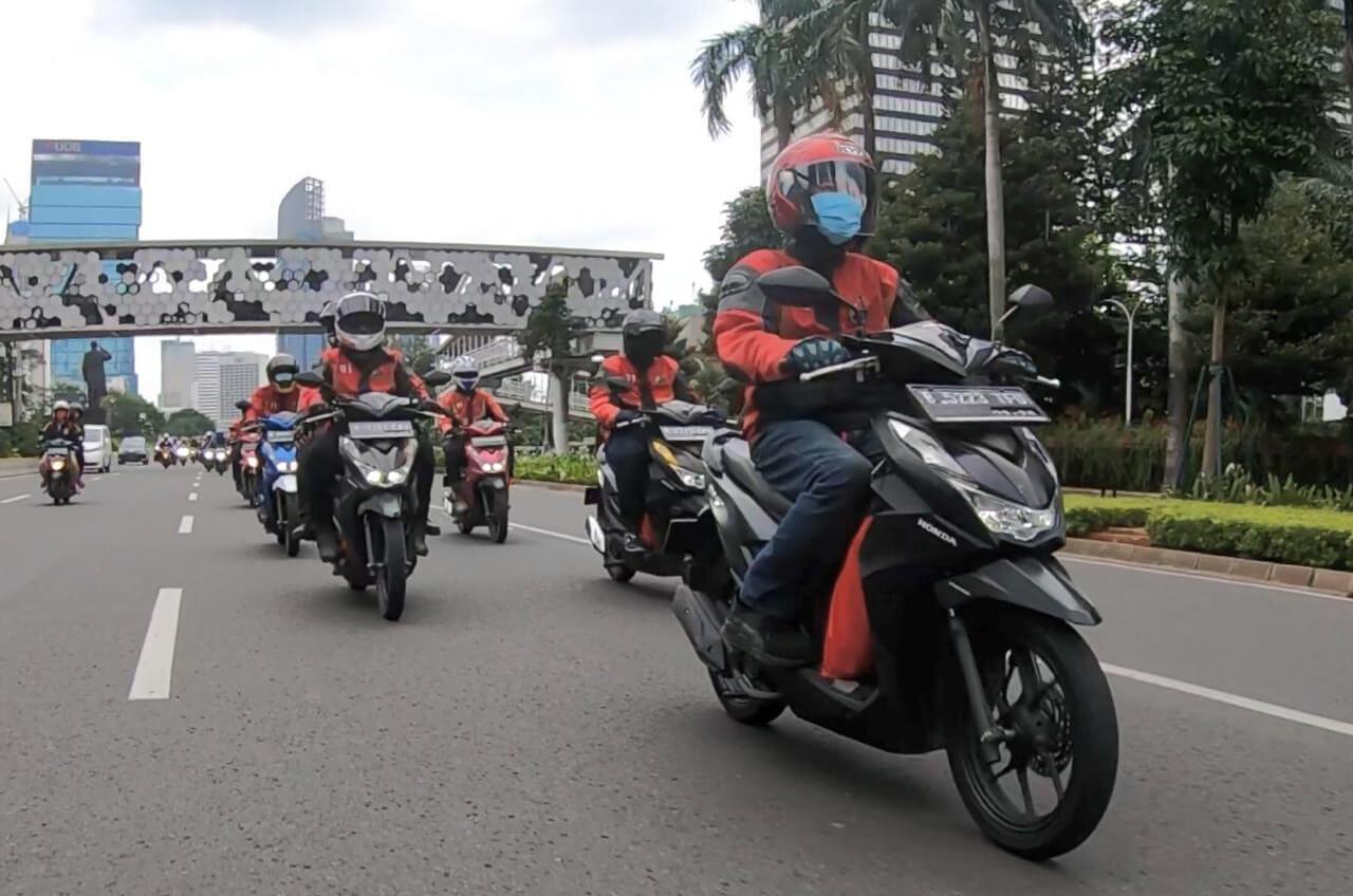 Komunitas Honda BeAT Jakarta Salurkan Bantuan Sembako