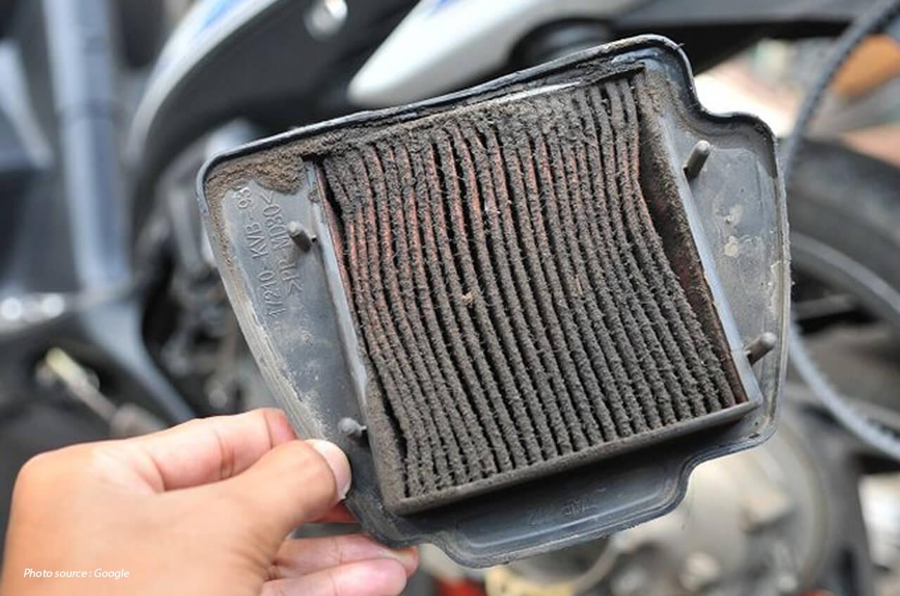 Ini Cara Bersihkan Filter Udara Motor, Ternyata Gampang!