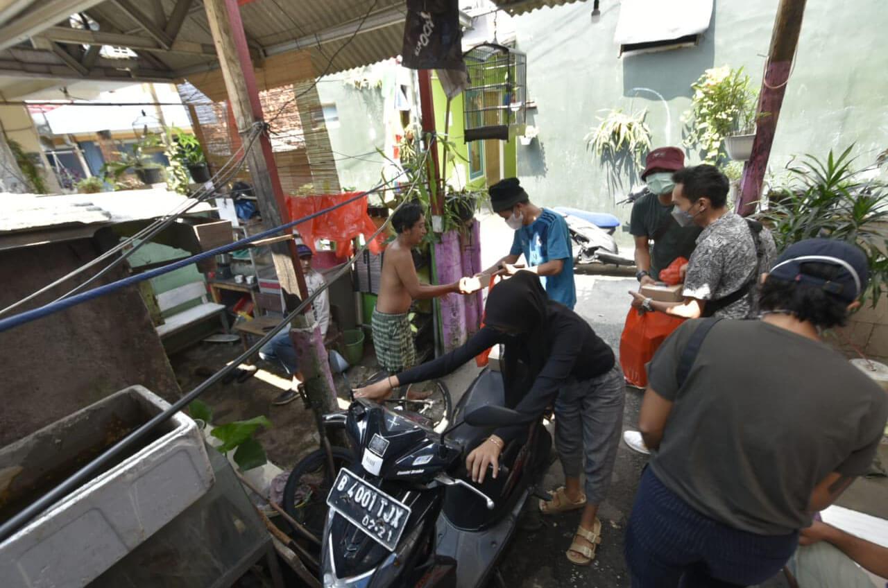 Relawan Anak Bangsa Dan Yayasan Wahana Artha 'Gairahkan' UMKM Kuliner Lewat Program Tebar Makanan
